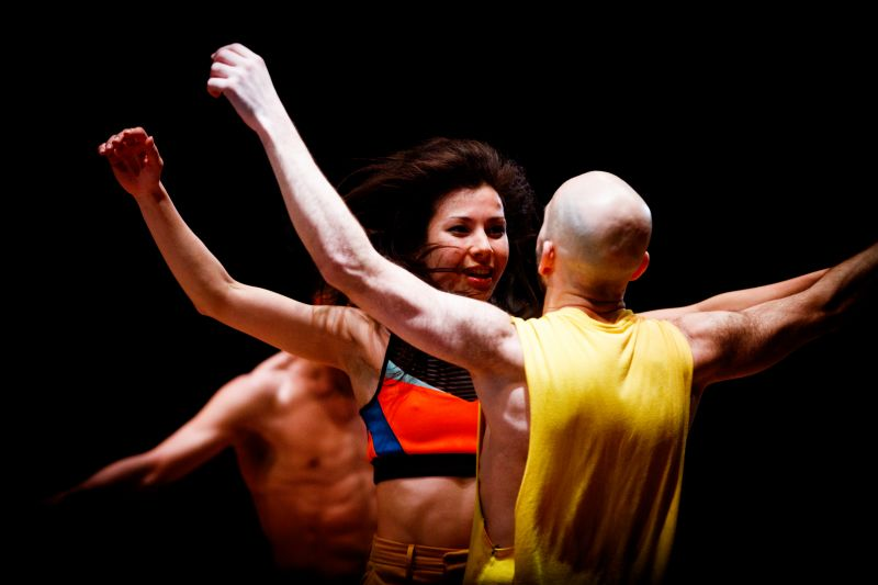 Danstheater AYA speelt voor scholieren Metameer