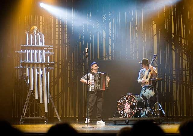 Ashton Brothers (reprise)