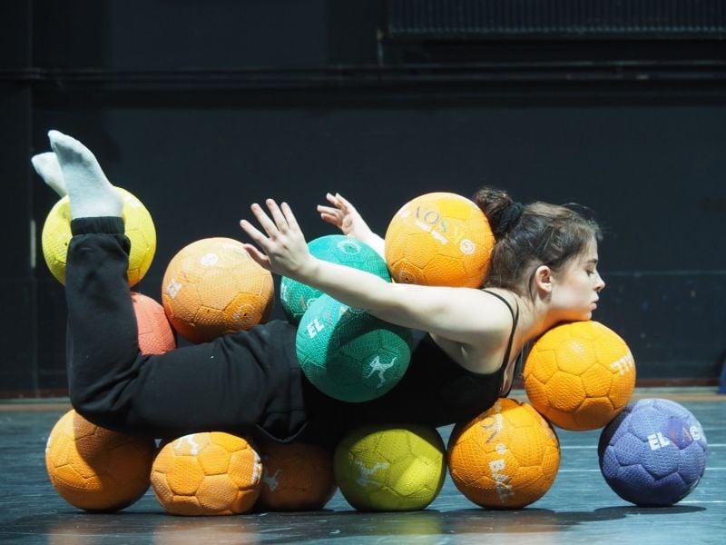 Culturele start van het schooljaar met dansgezelschap Corpo Máquina